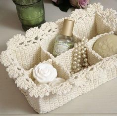 Crochet Parfait: Lace Spa Basket Knitting For BeginnersKnitting For KidsCrochet BlanketCrochet Scarf Crochet Diy, Crochet Home, Love Crochet, Crochet Gifts, Crocheted Lace, Crochet Bags, Beautiful Crochet, Crochet Ideas, Pinterest Crochet