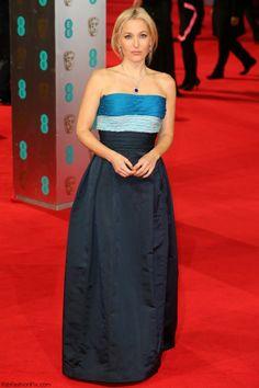 Actress Gillian Anderson was wearing Balmain Couture dress. #prom earrings