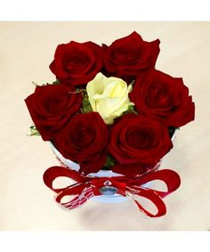 Bouquet Box, Red Rose Bouquet, Red Roses, Bouquets, Boxes, Flowers, Plants, Crates, Bunch Of Red Roses