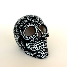 Ceramic Sugar Skull Painted Day of the Dead Halloween Roses Sacred Heart Black…