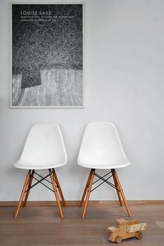 Love Eames chairs!!! A must in my new house!