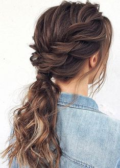ponytail hairstyles 7 Clever Ways To Wear A Ponytail For Every Occasion. No matter if you like fancy, messy, or braided ponytails, or have short or long hair, here you'll find ele Prom Hairstyles For Short Hair, Daily Hairstyles, Quick Hairstyles, Braided Hairstyles, Braided Updo, Greasy Hair Hairstyles, Teenage Hairstyles, Gorgeous Hairstyles, Simple Ponytail Hairstyles