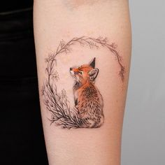 super cute fox tattoo © tattoo artist Deborah Genchi Regardless of what tattoo style you're looking for, Deborah Genchi will have you covered. You'll fall in love with her incredibly versatile tattoos. Tattoo Style, Tattoo On, Body Art Tattoos, New Tattoos, Tatoos, Mini Tattoos, Magic Tattoo, Lover Tattoos, Tattoo Quotes