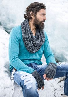 fular-gri-gros-si-manusi-flausate #boots #menboots #winterboots #menfashion #adrianhammond