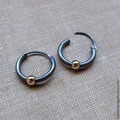Чёрные серьги-кольца для мужчин. Стильный мужской аксессуар - чёрный,серьги
