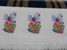 This Pin was discovered by sıd Cross Stitch Borders, Cross Stitch Flowers, Cross Stitch Designs, Cross Stitch Patterns, Palestinian Embroidery, Free To Use Images, Bargello, Cross Stitch Embroidery, Embroidery Designs