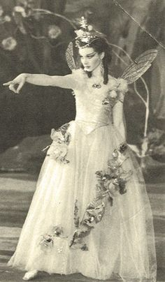 Вивьен Ли - Титания Vivien Leigh as Titania in A Midsummer Night's Dream in 1937