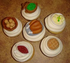Thanksgiving cuppy cakes