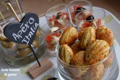 """Pour mes invités (Coucou à tous !!), je voulais préparer un petit apéro """"spécial Italie"""" , j'ai donc opté pour des olives fraîches farcies aux amandes, des verrines tomates cerises/mozzarella/basilic à l'huile d'olive et des mini-madeleines au pesto et..."""