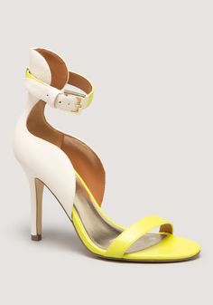 Jannelle Curvy Sandals