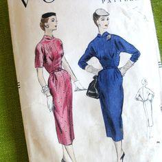 1950s Vintage Dress Pattern Slim Fit Wiggle Dress by SelvedgeShop