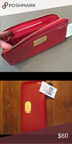 New Michael Kors wallet New with tags Michael Kors Bags Wallets