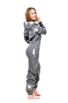 Hooded onesie pajamas from One Piece. Looks Style, Style Me, Pyjamas Onesie, Cool Winter, Outfit Online, Jackett, Mode Style, Fashion Outfits, Womens Fashion
