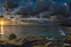 This is Cabarita Headland looking south towards Hastings Point. Cabarita is approx a 40 min drive south of the Gold coast,and is a small coastal village with a population of around 3000 in the state of #newsouthwales