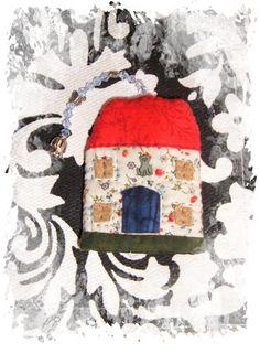 Mi rinconcito de labores: Casita llavero Painting, Art, Scrappy Quilts, Key Fobs, Little Cottages, Art Background, Painting Art, Kunst, Paintings