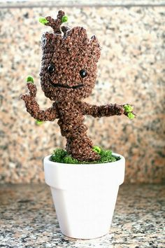 Groot free crochet pattern by TwinkieChan