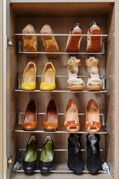 Shoe Rack Furniture, Home Room Design, House Rooms, Dressing Room, Sweet Home, Service, Closets, Dressings, Custom Furniture