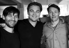 Tobey Maguire, Leonardo DiCaprio, Joel Edgerton, and Jason Clarke behind the scenes of The Great Gatsby Leonardo Dicaprio Oscar, Tobey Maguire Leonardo Dicaprio, Leonardo Dicarpio, Joel Edgerton, Hot Hollywood Actors, Gatsby Man, Gatsby Movie, Jason Clarke, The Great Gatsby