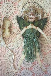 art doll image: I love this look. Great for my paperdoll art group.  I could do great gowns with a bit of lace, etc.