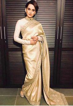 Kangana Ranaut looks elegant in saree at Virat and Anushka Sharma's wedding reception Red Lehenga, Lehenga Choli, Sabyasachi, Red Sari, Net Saree, Bollywood Saree, Bollywood Fashion, Bollywood Actress, Anushka Sharma