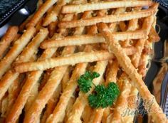 snacks for party Appetizer Recipes, Appetizers, Recipe Scrapbook, Silvester Party, Cooking Recipes, Healthy Recipes, Food Cravings, Biscuits, Food Design