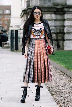 Street style cực cool của các fashionista tại London Fashion Week 2017