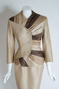 1950's Lilli-Ann Ombre Champagne Silk Pleated-Swirls Hourglass Cocktail Suit