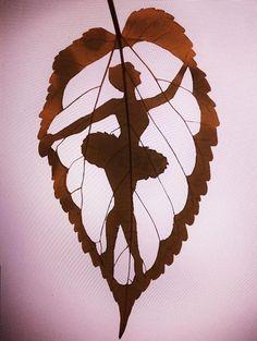 ballerina-leaf Just Dance, Leaf Art, Spanish Artists, Silhouettes, Paper Cutting, Paper Art, Art Plastique, Cool Art, Nice Art