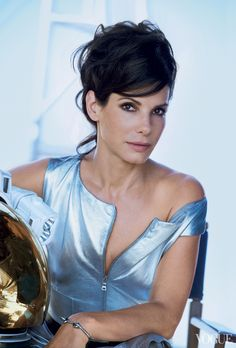 Sandra Bullock / Сандра Буллок в журнале Vogue US october 2013 / photo by Peter Lindbergh Peter Lindbergh, Sandro, Vogue Us, Actrices Hollywood, Jesse James, Vogue Magazine, Magazine Photos, Most Beautiful Women, American Actress