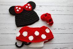 Gorros - Conjunto crochet -Minnie Mouse- sesión - hecho a mano por CudaWianki-Anna en DaWanda
