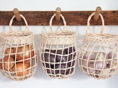 Home Decor Grey Sugar Tools Onion Basket.Home Decor Grey Sugar Tools Onion Basket Kitchen Pantry, Kitchen Decor, Shaker Kitchen, Kitchen Baskets, Family Kitchen, Kitchen Tools, Kitchen Ideas, Küchen Design, House Design