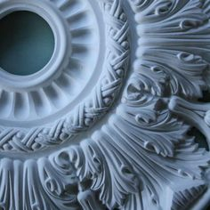 Victorian Plaster Ceiling Rose Crown and Acanthus 520mm MPR063. Great quality for little money. #plasterceilingroses