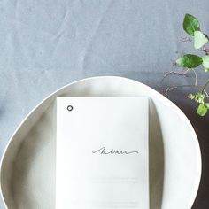 Photo by Petra Veikkola. Beautiful minimalist table setting styled by Laura from @lovejuneweddingdesign. __ Photos of this minimalistic styled shoot are featured in a gorgeous wedding blog @adornmagazine today. Go check them out and also Laura's tips for minimal table design! __