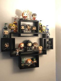 Discover recipes, home ideas, style inspiration and other ideas to try. Funko Pop Shelves, Funko Pop Display, Book Shelves, Display Shelves, Décoration Harry Potter, Harry Potter Bedroom, Geek Room, Otaku Room, Game Room Decor
