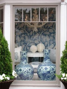 WSH loves to see ginger jars in a window. Via Glamorous Chic Life.