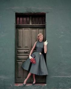 1950's?<To the fashion, yes please