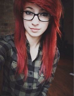 Gah im sooooo excited. Might be getting my hair like this. Layered and colors the same way Pastel Blue Hair, Dyed Hair Purple, Bright Red Hair, Lilac Hair, Dye My Hair, Green Hair, Colorful Hair, Cute Scene Girls, Cute Emo Girls