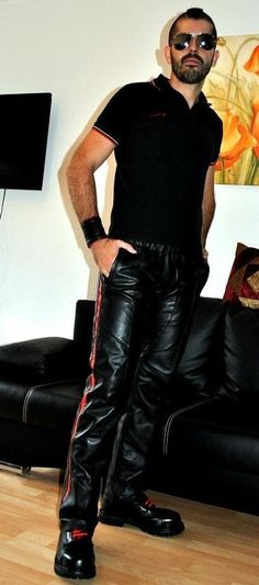 Leather Fashion, Leather Men, Leather Boots, Leather Jacket, Gay, Lifestyle Blog, Sexy Men, People, Pants