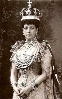 A rare unretouched photograph of Queen Alexandra at the age of fifty-seven.