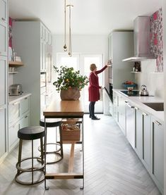 30+ Wonderfull Narrow Kitchen with Stunning Details #kitcheninteriordesign #kitcheninspiration #kitchenideas
