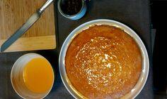 griesmeelcake met sinaasappel-kardemonstroop