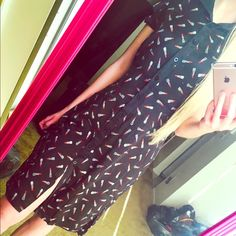 """Cute Bebe lipstick button down dress Button down size medium, nwot, very soft material! The bottom of the dress has two small slits on both sides, knee length on me, I'm 5'6"""", I am a small size and it fits me too. Had belt that can be removed made of the same soft material bebe Dresses Midi"""