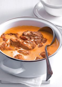 Pot Roast, Thai Red Curry, Beef, Ethnic Recipes, Food, Red Peppers, Carne Asada, Meat, Roast Beef