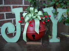 Christmas Joy Letters, love it Noel Christmas, Winter Christmas, All Things Christmas, Christmas Wreaths, Christmas Decorations, Christmas Ornaments, Outdoor Christmas, Wooden Ornaments, Christmas Photos