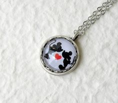 Hey, I found this really awesome Etsy listing at https://www.etsy.com/listing/189266336/mickey-and-minnie-in-love-petite