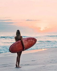 The Surfing Handbook : Surfer girl//sunset//catching waves Kitesurfing, Surfing Pictures, Beach Pictures, Sunset Beach, Beach Sunsets, Image Surf, Photo Surf, Film Pictures, Waves