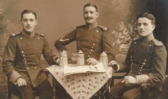 Three Ulanen from the 2. Hannoversches Ulanen-Regt. Nr.14 enjoy a beer and a cigarette for the camera.