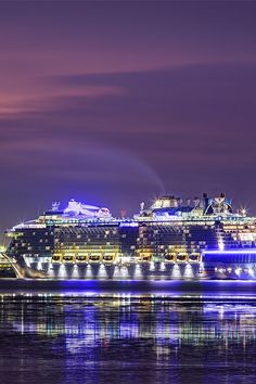 Explore a world where innovation rules on Anthem of the Seas, the most revolutionary cruise ship. Skydive right on the deck of the ship or play at the SeaPlex, an activities space with bumper cars, a roller rink, circus school and more.