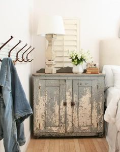 IDEA :: Paint an old shutter to go behind the bedside tables to add some color or texture.