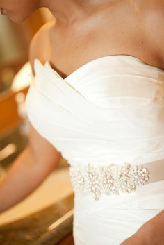 Stunning belt! Photography by janamorgan.com